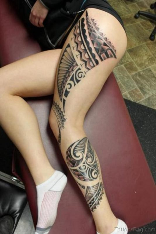 Fantatsic Tribal Tattoo On Thigh