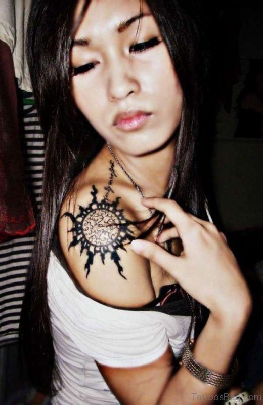 Hot Girl Showing Her Mandala Tattoo