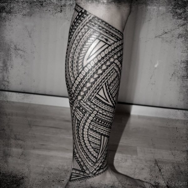 Impressive Tribal Tattoo design On Leg