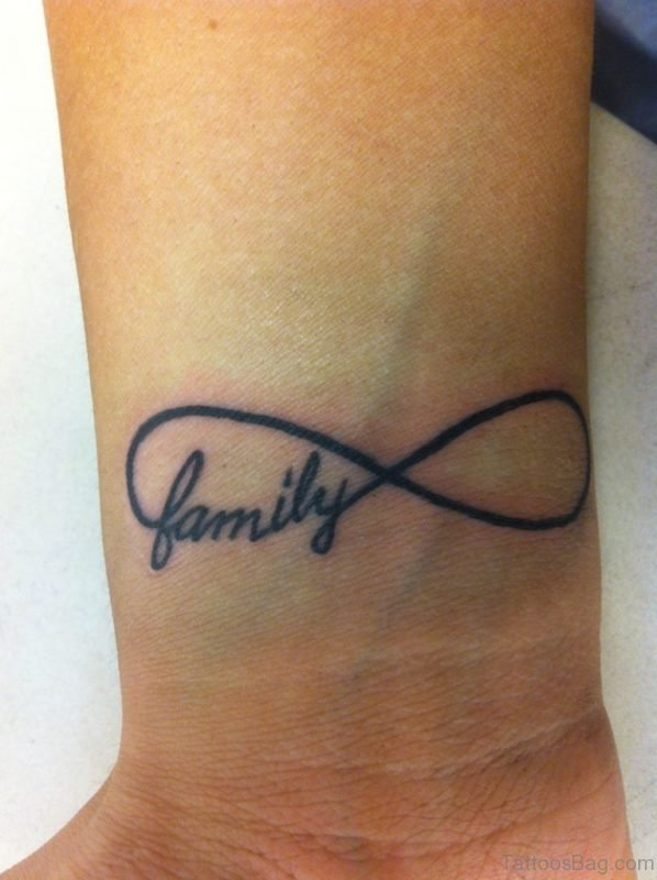 Infinty Family Tattoo Design On Wrist