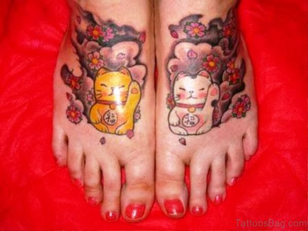 Lovely Cats Tattoos Design On Feet meow840