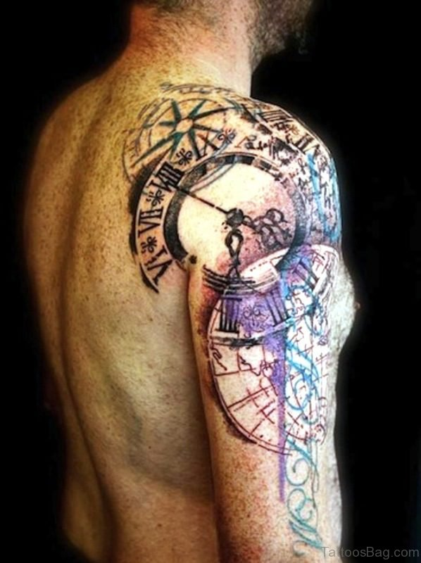 Lovely Clock Tattoo On Shoulder