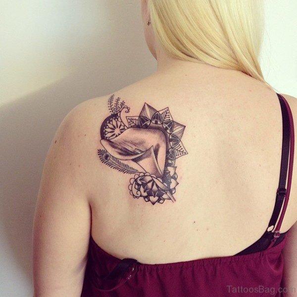 Lovely Designer Shoulder Blade Tattoo