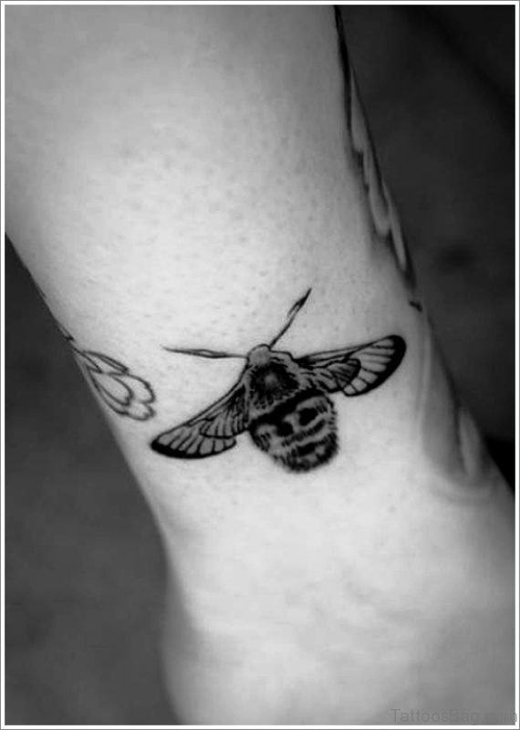 Magnificent Bee Tattoo On Wrist