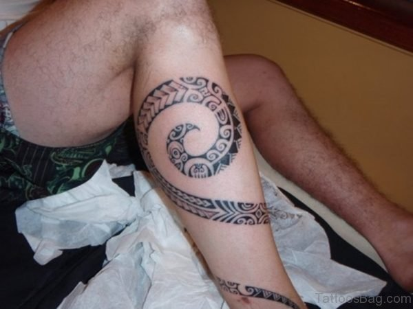 Man Tribal Leg Tattoo