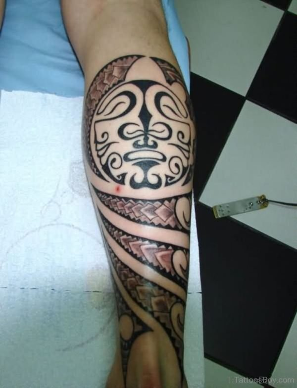 Maori Tribal Tattoo Design On Leg