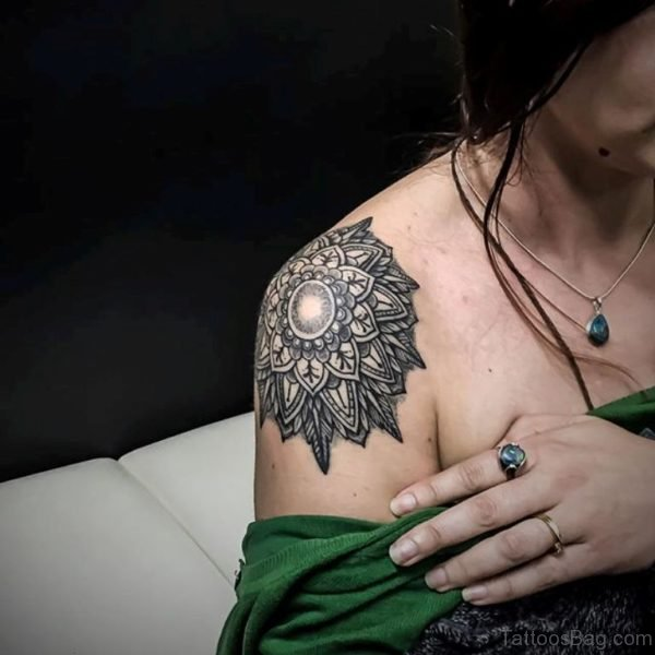 Mind Blowing Mandala Tattoo On Shoulder