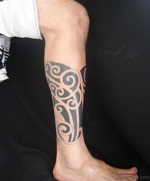 Mind Blowing Tribal Tattoo On Leg