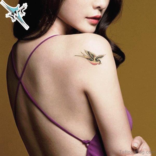 Nice Bird Designer Tattoo On Right Shoulder