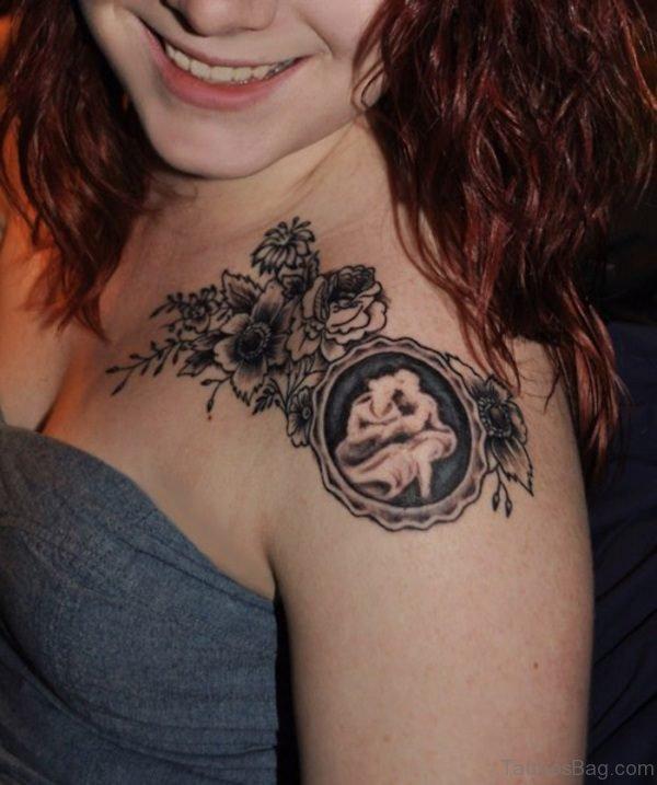 Nice Designer Shoulder Tattoo For Women