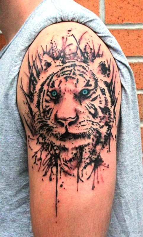 Nice Tribal Tattoo Design
