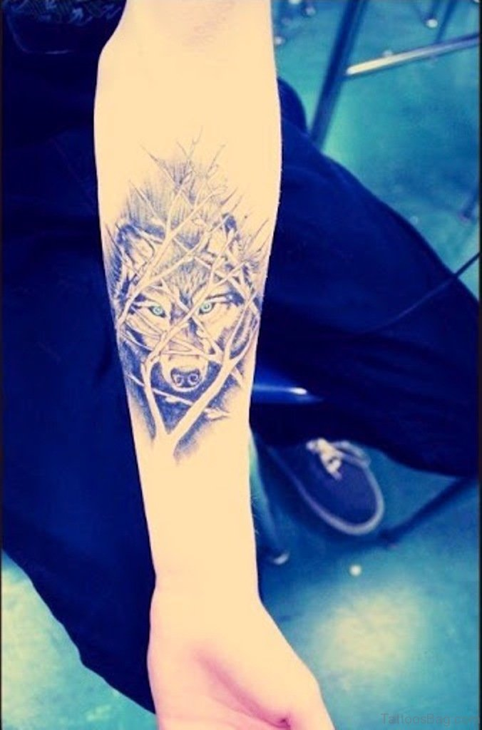 Wolf Howling At The Moon Tattoo For Girls