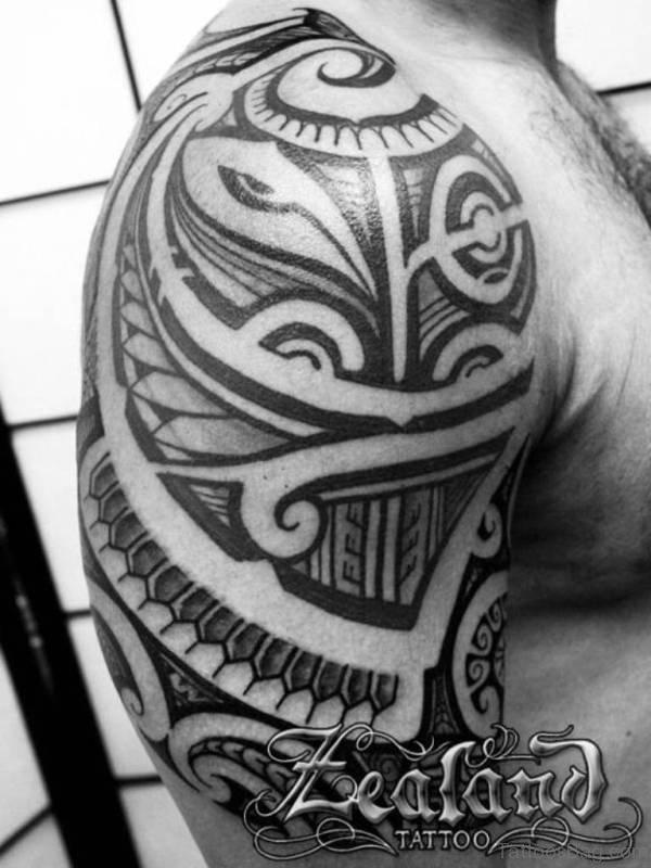 Polynesian Samoan Shoulder