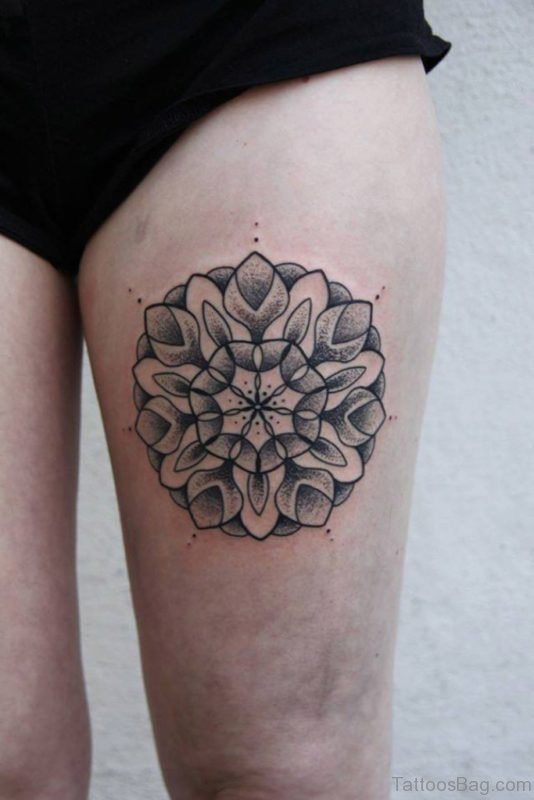 Pretty Mandala Tattoo On Thigh