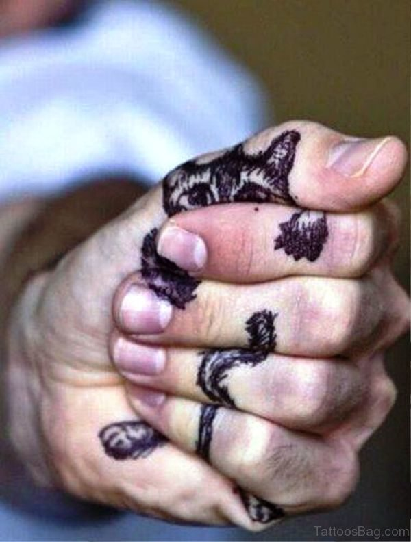 Realistic Cat Tattoo On Finger