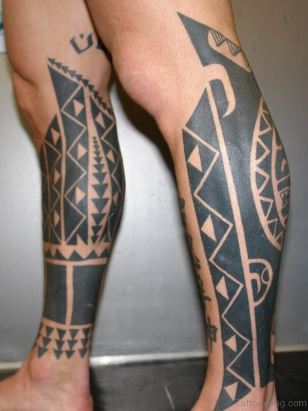 Stuning Tribal Tattoo On Leg