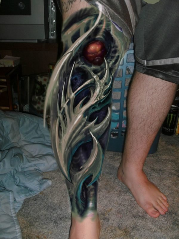 Stunning Biomechanical Tattoo On leg