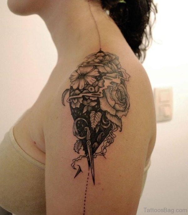 Stunning Shoulder Tattoo Design For Women