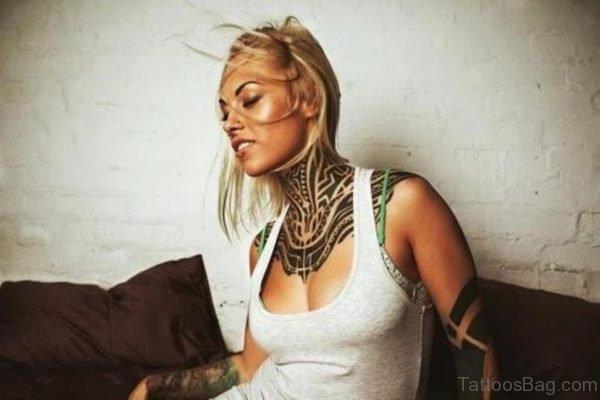 Stylish Black Tribal Tattoo On Neck