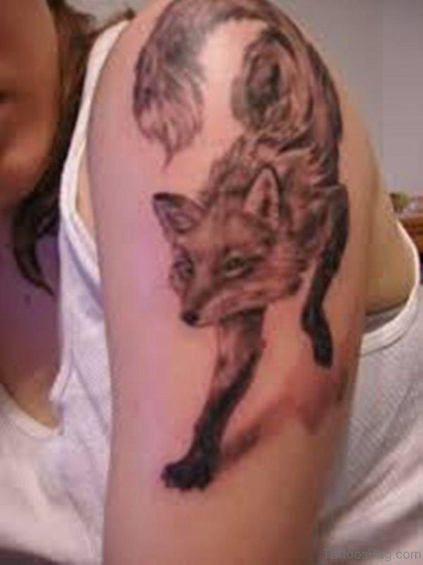 Stylish Fox Tattoo On Shoulder