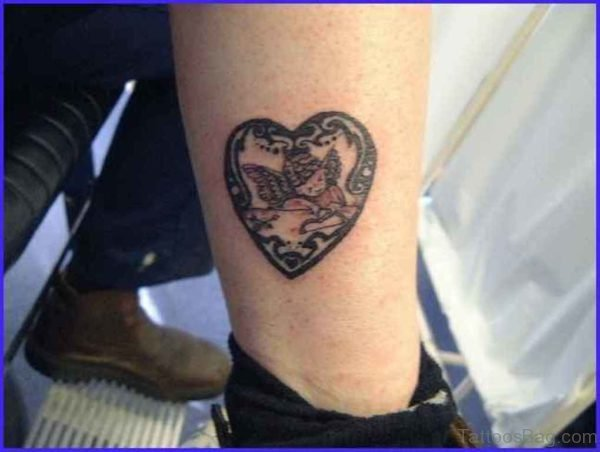 Stylish Heart Tattoo On Leg