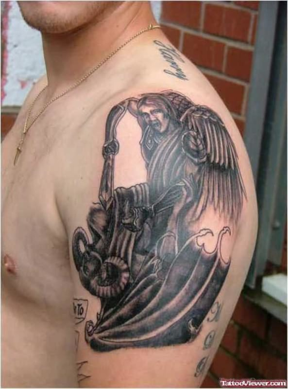 Stylish Tattoo On Left Shoulder