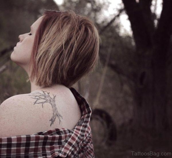 Tree Shoulder Blade Tattoo