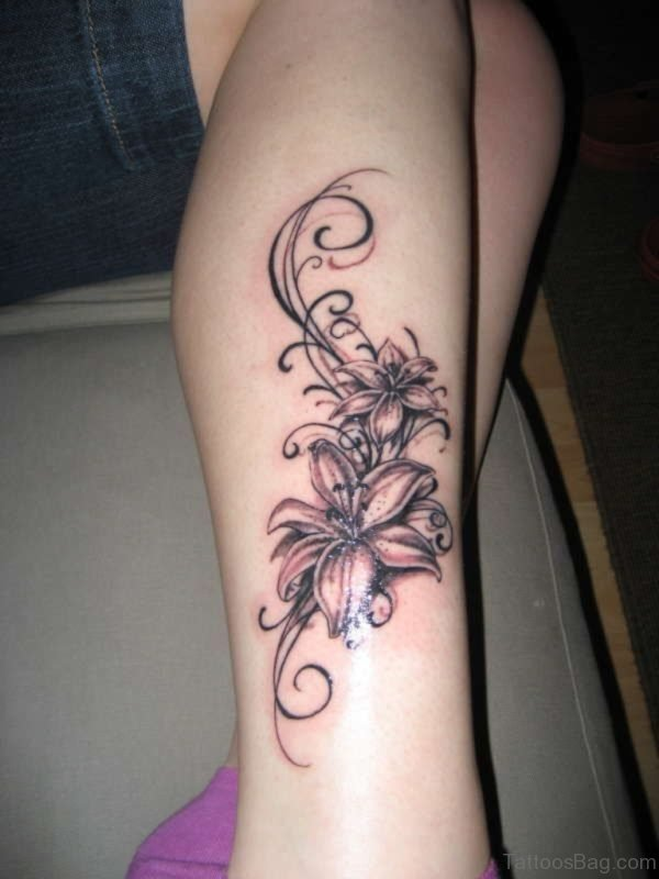 Tribal Flower Tattoo On Leg
