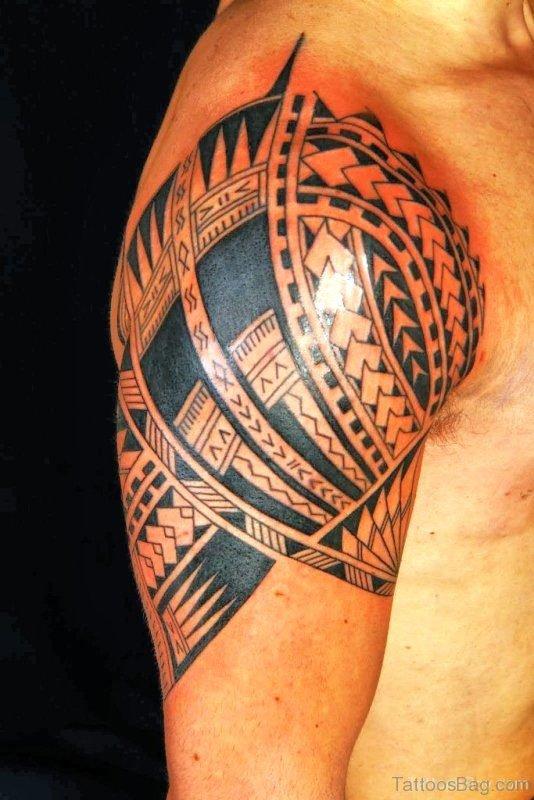 Wonderful Maori Tribal Shoulder Tattoo