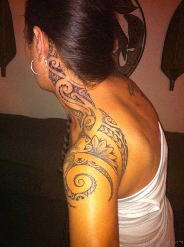 Wonderful Tribal Tattoo On Neck