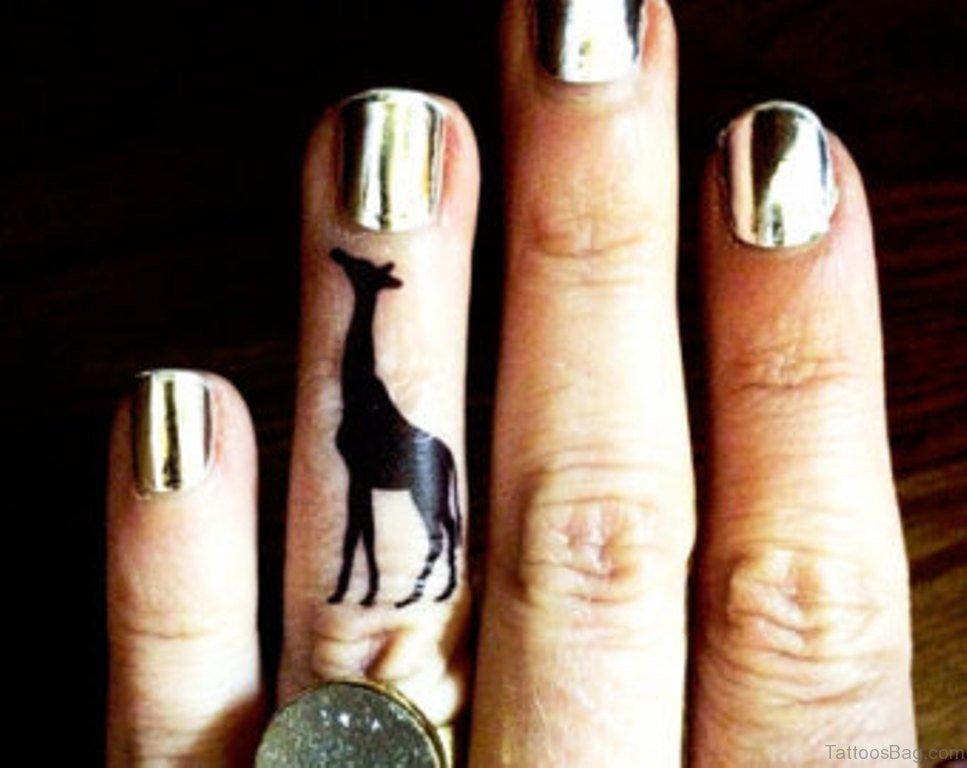 10 animal giraffe tattoo on finger for Animal finger tattoos