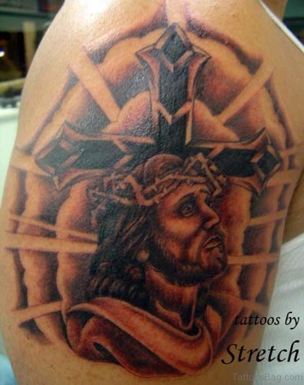 Amazing Shoulder Design Tattoo