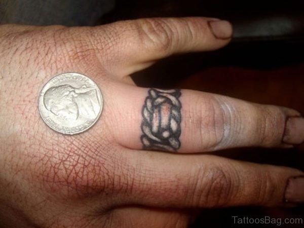 Attractive Celtic Knot Tattoo Design