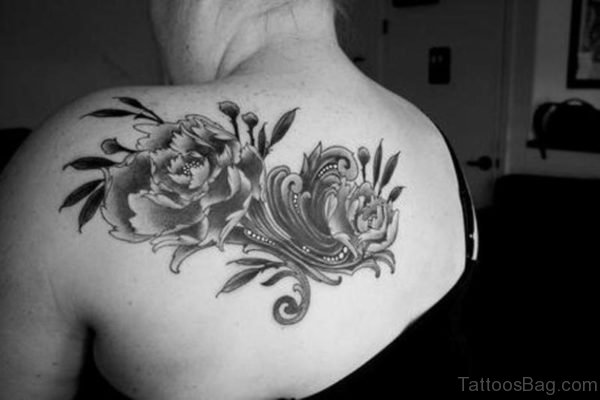 Attractive Shoulder Tattoo Design