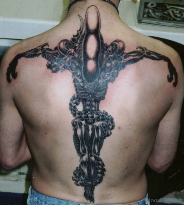 Awesome Alien Tattoo On Back