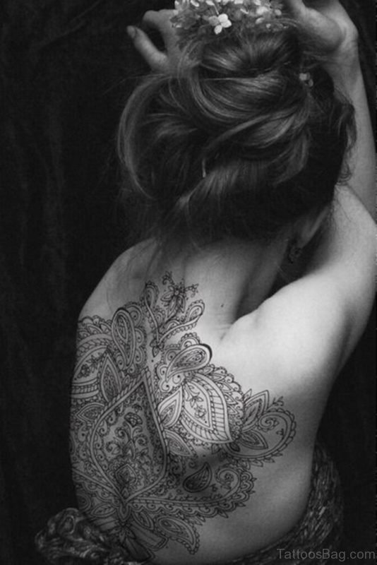 Beautiful Mandala Tattoo On Neck