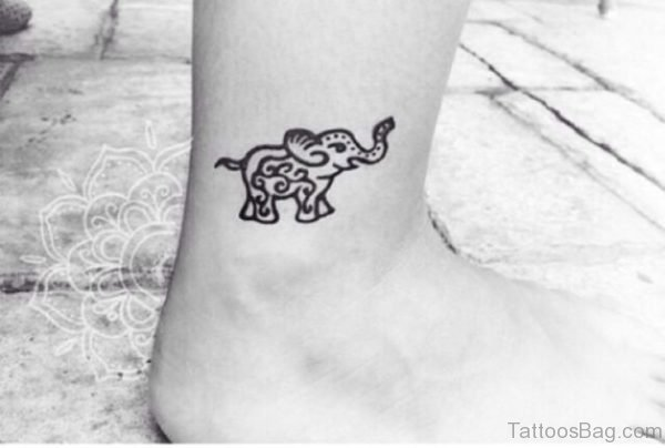 Black And White Elephant Tattoo On Leg