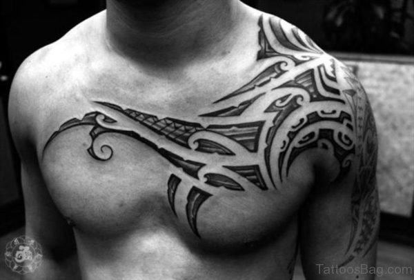 Black And White Tribal Shoulder Tattoo