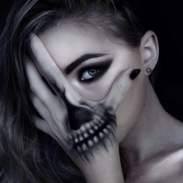 Black Skull Tattoo For Girls