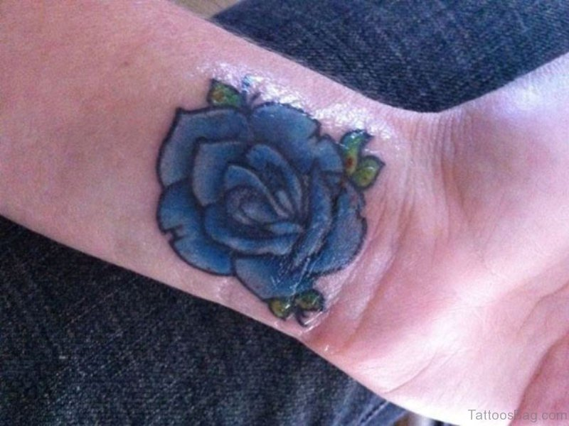 9110f220d 22 Cool Blue Rose Tattoos On Wrist