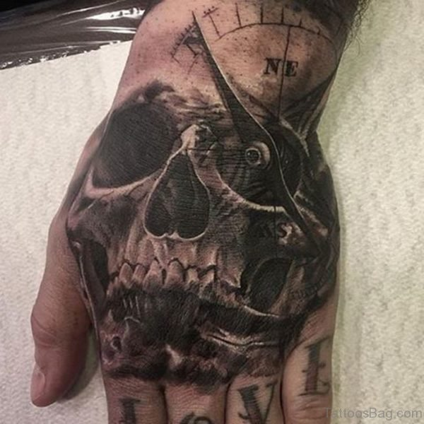 80 Classic Skull Tattoos On Hand