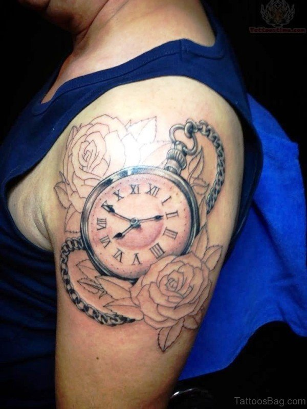 Clock With Roses Tattoo On Shooulder