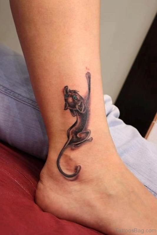 Crawling LIon Tattoo On Leg