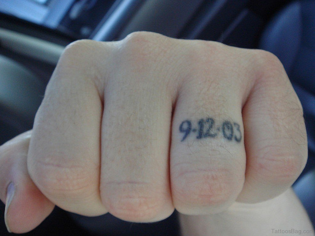 37 Cute Finger Tattoos
