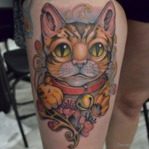 Designer Cat Tattoo On Thigh