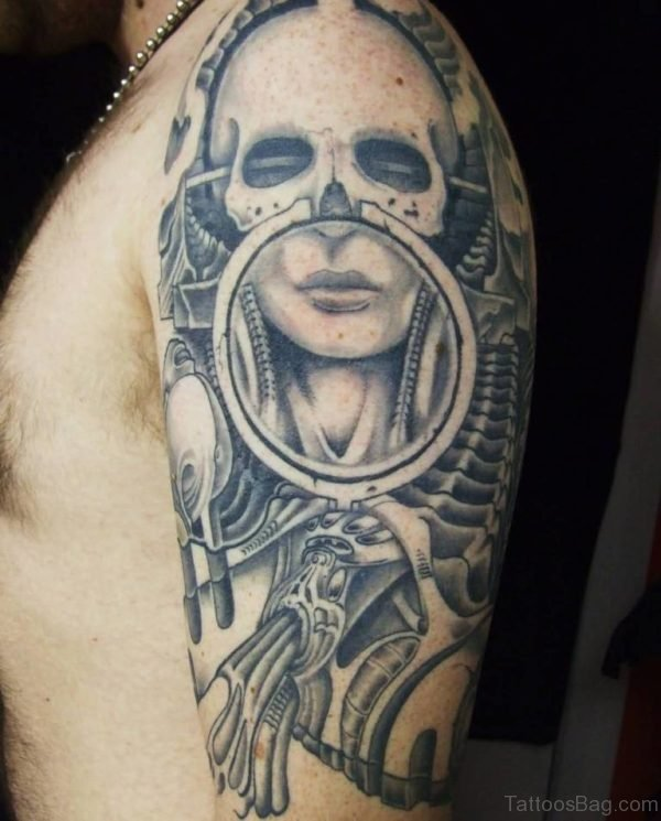 Famous Alien Face Tattoo On Shoulder