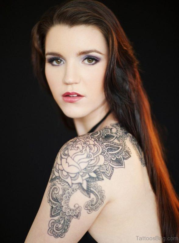 Flower Tattoo Design On Shoulder