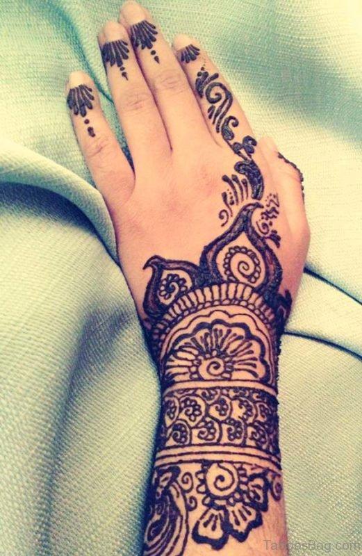 Graceful Finger Tattoo