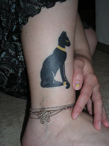 Impressive Cat Tattoo on Ankle