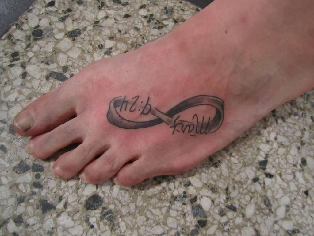 Фото рисунков тату надписи на ноге